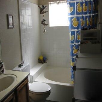 clutter-bathroom-2